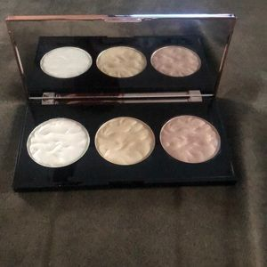 3 strobe Highlighter Palettes